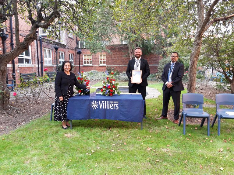 Former pupils return to Villiers High School to celebrate school's win in National Teaching Awards